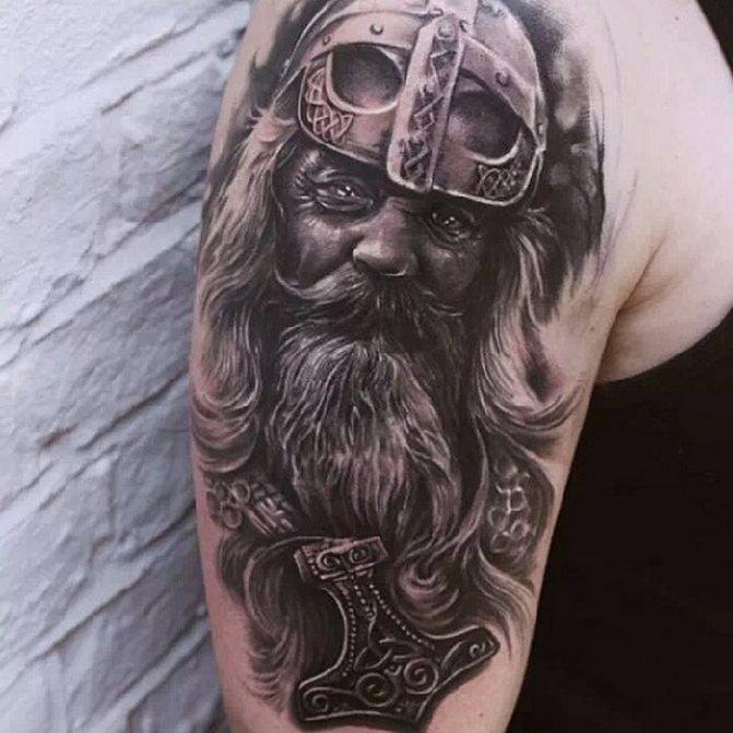 Викинг татуировка
