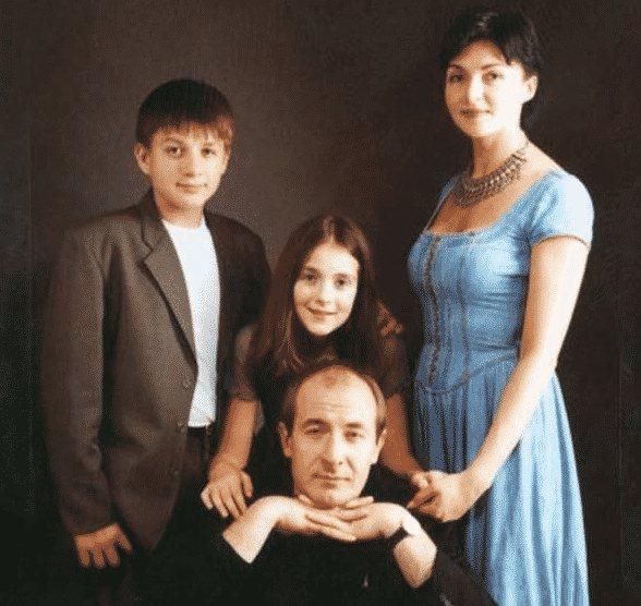 Влад Топалов: биография, личная жизнь, жена, дети
