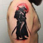 воин с мечом на плече