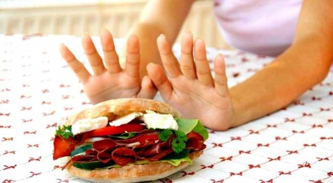 Воспаление поджелудочной железы, называемое панкреатитом, предполагает соблюдение определенной диеты.