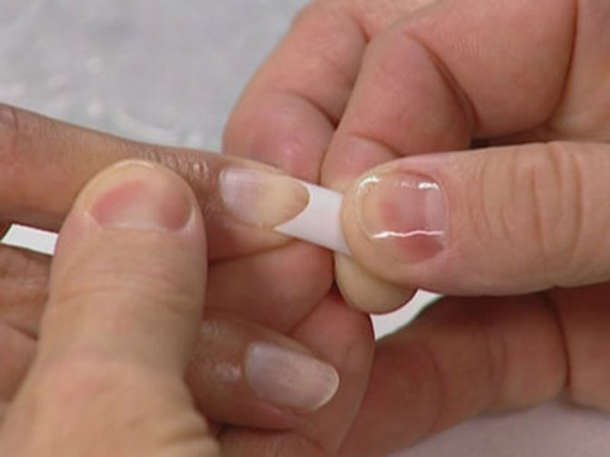 Вредно ли акриловое наращивание ногтей