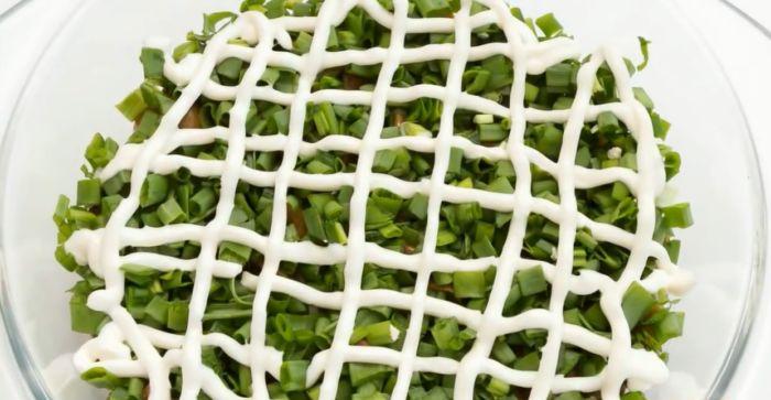 второй слой - зеленый лук