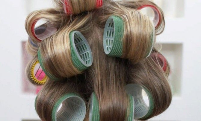 Выпрямление волос с помощью бигуди