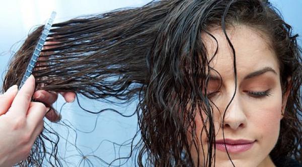 выпрямлять мокрые волосы
