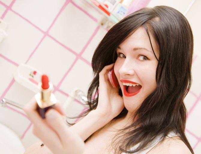 Яркие губы - яркий способ обратить на себя внимание