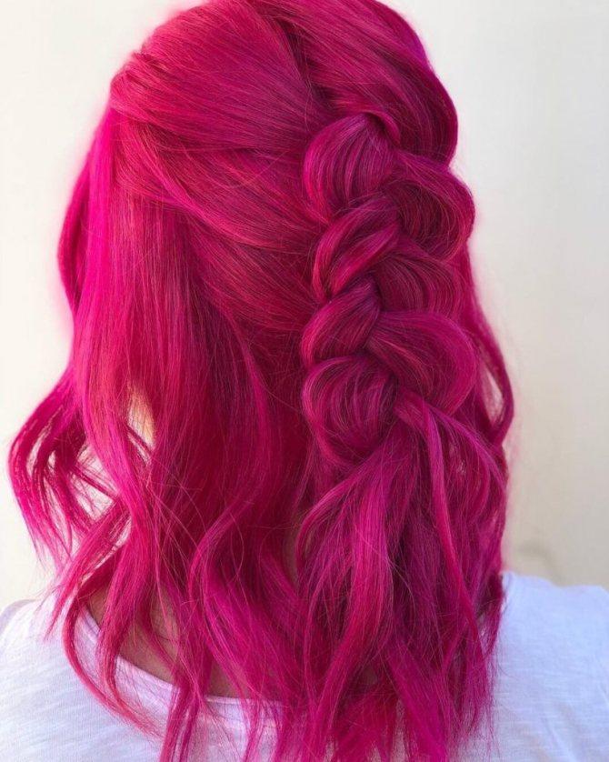 Ярко розовый бордовый