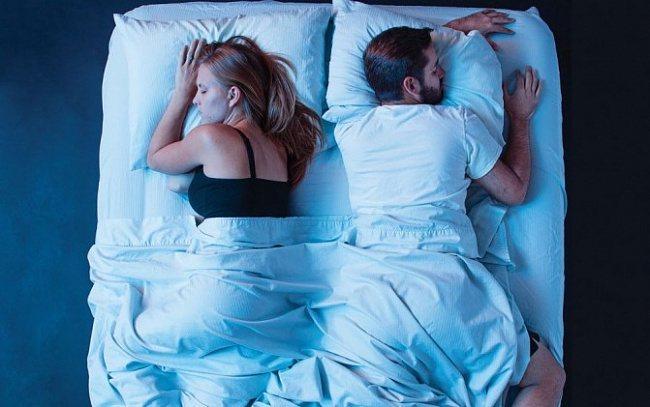 Язык тела: о чем говорят позы во время сна