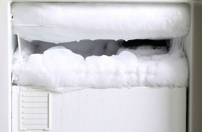 Зачем размораживать холодильник и как это делать?