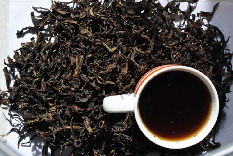 Закрашиваем седину обычным черным чаем