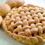 Закрытый пирог с капустой из дрожжевого теста