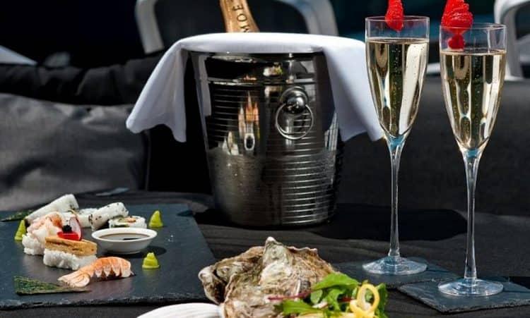 Закуска к шампанскому это не только десерты, как мы привыкли думать.