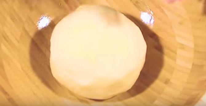 замешанное дрожжевое тесто