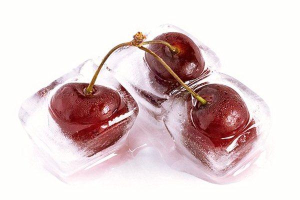 Замороженная вишня