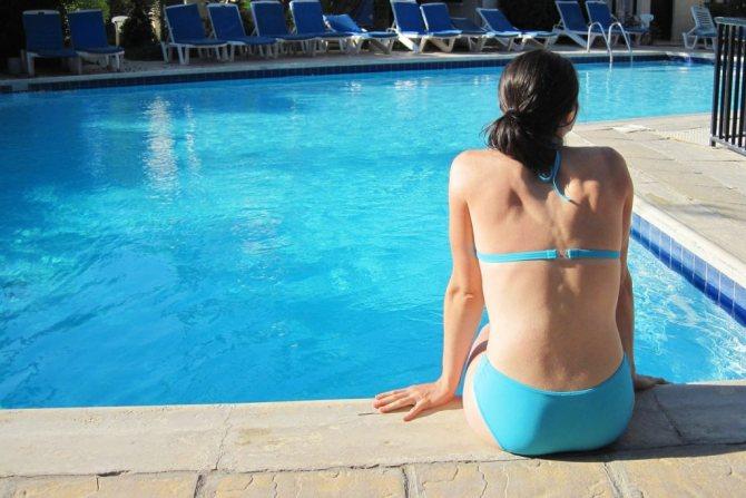 Защита волос от хлорированной воды бассейна