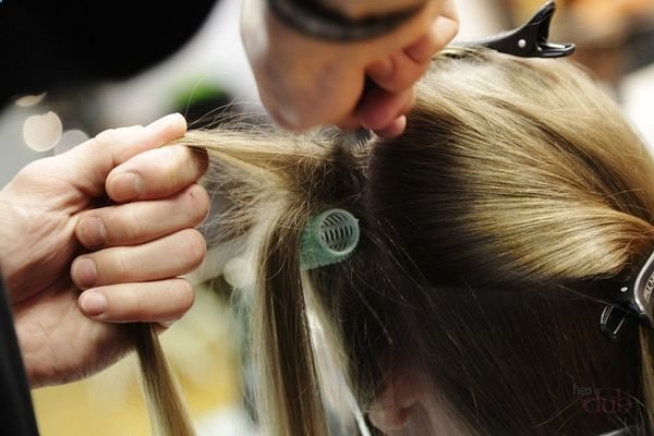 Завивка у корней волос