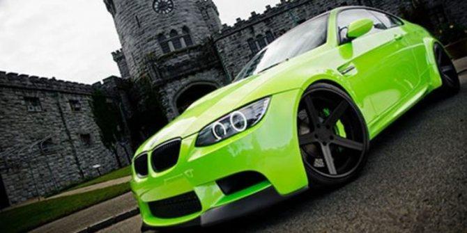 Зелёная машина во сне