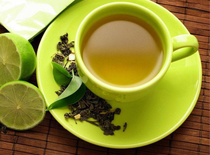 Зеленый чай заливают горячей, но не кипящей водой