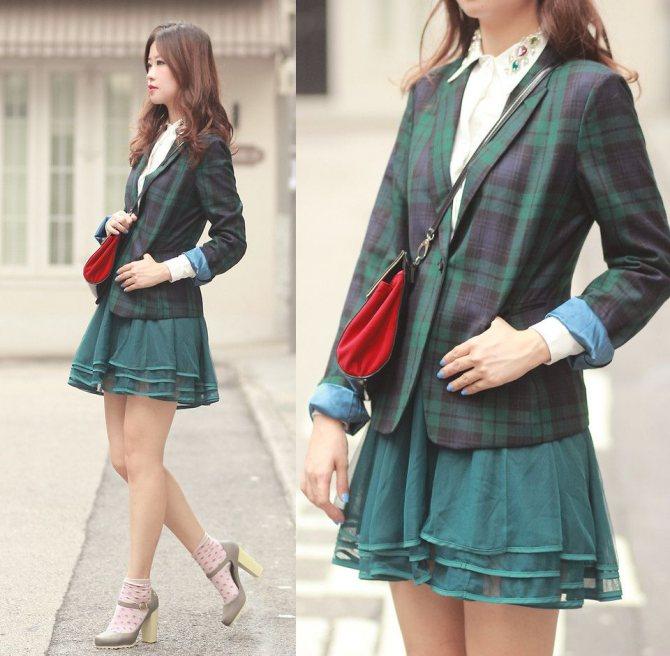 зеленый пиджак с короткой юбкой