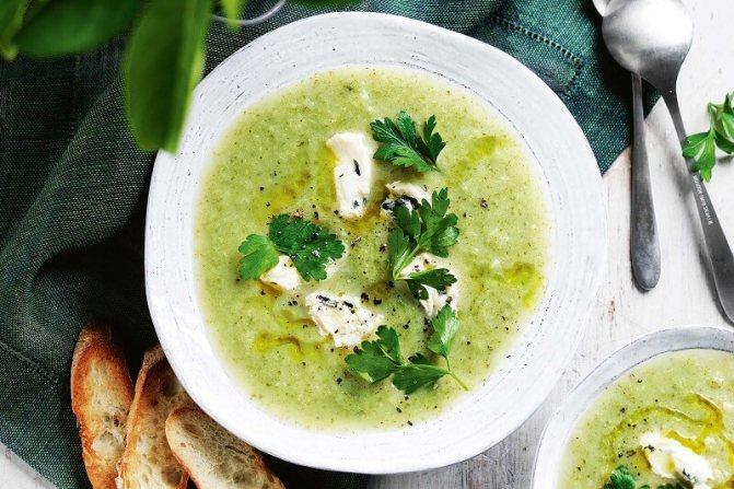 зеленый сырный суп
